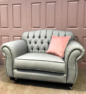 Paris Snuggle Chair
